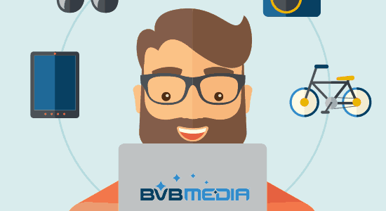 man bekijkt webshop op laptop van BVB Media